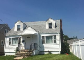 Pre Foreclosure in Linden 07036 YALE TER - Property ID: 1684384201