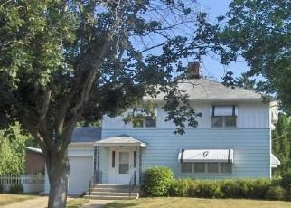Pre Foreclosure in New Glarus 53574 3RD AVE - Property ID: 1684483630