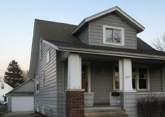 Pre Foreclosure in Kenosha 53142 PERSHING BLVD - Property ID: 1684489319