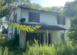 Pre Foreclosure in Pikeville 37367 S GROVE ST - Property ID: 1684820429