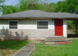 Pre Foreclosure in Shelbyville 37160 W END AVE - Property ID: 1684822176