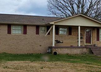 Pre Foreclosure in Mc Ewen 37101 WINSTEAD ST - Property ID: 1684956195