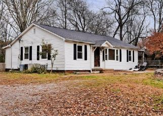 Pre Foreclosure in Knoxville 37920 KIMBERLIN HEIGHTS RD - Property ID: 1685027598