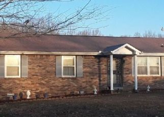 Pre Foreclosure in Woodlawn 37191 LYLEWOOD RD - Property ID: 1685066124