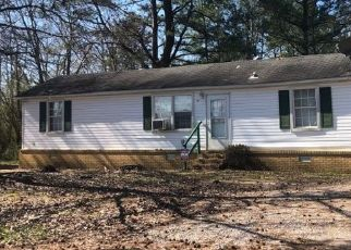 Pre Foreclosure in Selmer 38375 OLD STANTONVILLE RD - Property ID: 1685077975