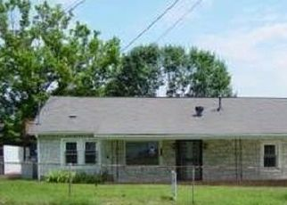 Pre Foreclosure in Kingsport 37660 DOROTHY ST - Property ID: 1685213285