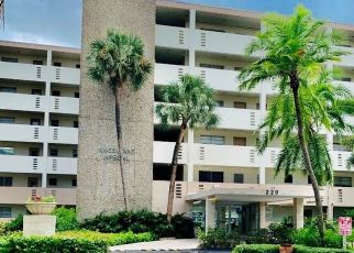 Pre Foreclosure in North Miami Beach 33160 KINGS POINT DR - Property ID: 1685653455
