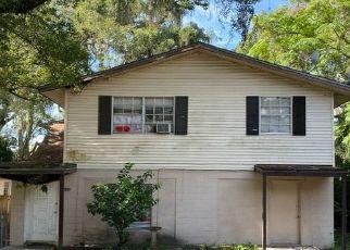 Pre Foreclosure in Ocoee 34761 N LAKEWOOD AVE - Property ID: 1686106317