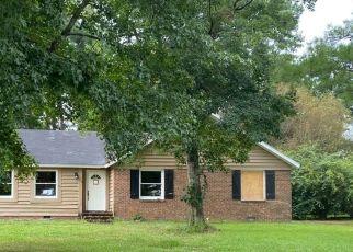 Pre Foreclosure in Jacksonville 28546 CAROLINA CIR - Property ID: 1687238486