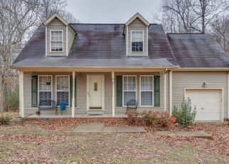 Pre Foreclosure in White Bluff 37187 WHITE BLUFF RD - Property ID: 1687339664