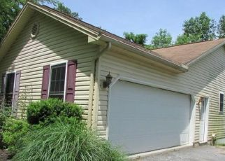 Pre Foreclosure in Duncannon 17020 HILL TOP RD - Property ID: 1687468868