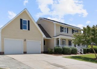 Pre Foreclosure in Fayetteville 28303 COACHMANS WAY - Property ID: 1687654567