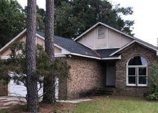 Pre Foreclosure in Fayetteville 28306 ROCKFISH RD - Property ID: 1687668578