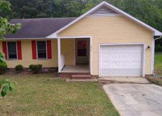 Pre Foreclosure in Fayetteville 28304 GREEN MEADOW RD - Property ID: 1687670324