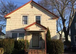 Pre Foreclosure in New Bedford 02740 HILLMAN ST - Property ID: 1688167423