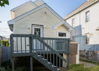 Pre Foreclosure in New Bedford 02740 SMITH ST - Property ID: 1688168750