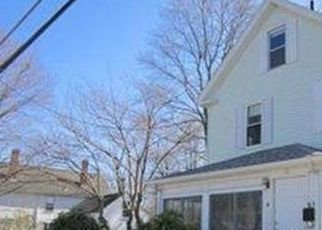 Pre Foreclosure in Woburn 01801 POOLE ST - Property ID: 1688281744