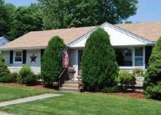 Pre Foreclosure in Stratford 06614 DEL DR - Property ID: 1688561605