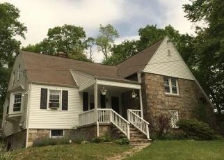 Pre Foreclosure in Trumbull 06611 CEDAR CREST RD - Property ID: 1688580433