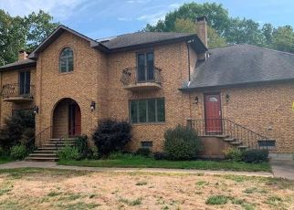 Pre Foreclosure in Middletown 06457 WESTFIELD ST - Property ID: 1688794612
