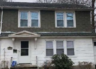 Pre Foreclosure in Waterbury 06704 MONMOUTH AVE - Property ID: 1689032425