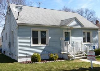 Pre Foreclosure in Waterbury 06704 LORRAINE ST - Property ID: 1689034173