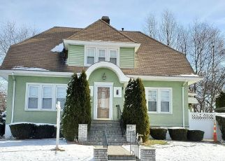 Pre Foreclosure in Wethersfield 06109 GOODRICH DR - Property ID: 1689178264