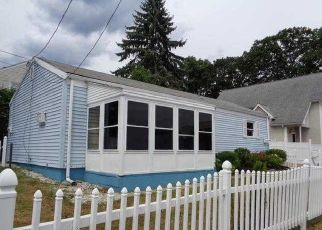 Pre Foreclosure in Norwalk 06851 TILTON ST - Property ID: 1689367925