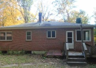 Pre Foreclosure in New Hartford 06057 HONEY HILL RD - Property ID: 1689401194