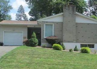 Pre Foreclosure in Naugatuck 06770 BIRD RD - Property ID: 1689439303