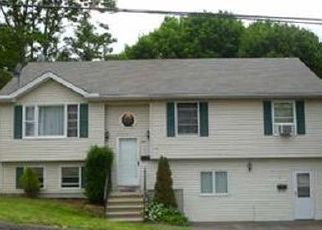 Pre Foreclosure in Waterbury 06704 DRACUT AVE - Property ID: 1689457256