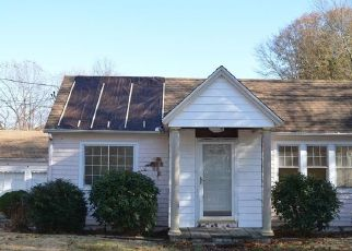 Pre Foreclosure in West Haven 06516 PLATT AVE - Property ID: 1689464263
