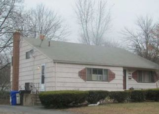 Pre Foreclosure in East Hartford 06108 HENDERSON DR - Property ID: 1689590853