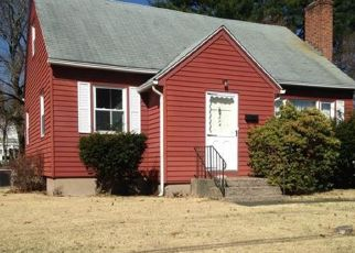 Pre Foreclosure in East Hartford 06118 OAK ST - Property ID: 1689593471