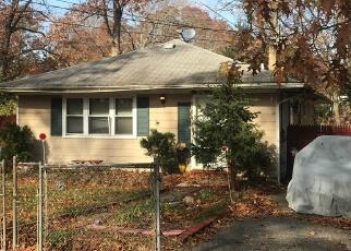 Pre Foreclosure in Mastic 11950 SHINNECOCK AVE - Property ID: 1689670556