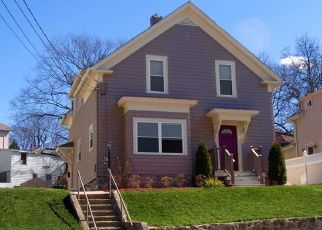 Pre Foreclosure in Woonsocket 02895 COTTAGE ST - Property ID: 1690961712