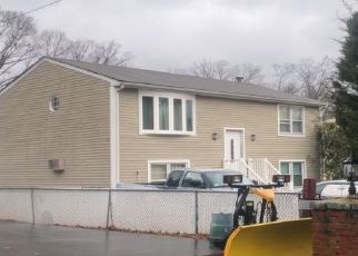 Pre Foreclosure in Johnston 02919 WATER ST - Property ID: 1690974405