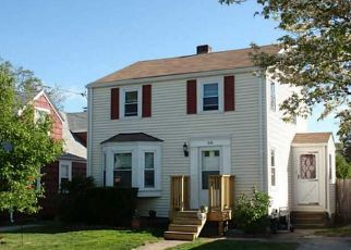 Pre Foreclosure in Cranston 02910 MYRTLE AVE - Property ID: 1691054103