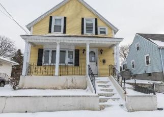 Pre Foreclosure in East Providence 02914 S ROSE ST - Property ID: 1691115432