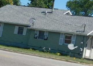 Pre Foreclosure in Adrian 49221 LOWE AVE - Property ID: 1691606398