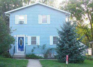Pre Foreclosure in Cedar Rapids 52402 E AVE NE - Property ID: 1692769217