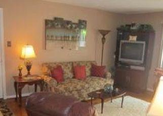 Pre Foreclosure in Louisville 40223 LA FONTENAY CT - Property ID: 1692803827