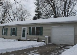 Pre Foreclosure in Lansing 48911 S DEERFIELD AVE - Property ID: 1692900166