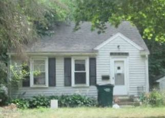 Pre Foreclosure in Lansing 48915 BASSETT ST - Property ID: 1692909367