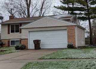 Pre Foreclosure in Lansing 48912 AUTUMN LN - Property ID: 1692915505