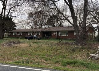 Pre Foreclosure in Siler City 27344 SILK HOPE LIBERTY RD - Property ID: 1693110400