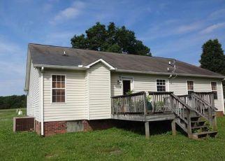 Pre Foreclosure in Salisbury 28147 CRESS SCHOOL RD - Property ID: 1693125291