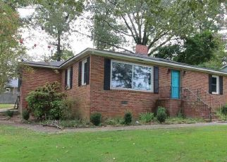 Pre Foreclosure in Gadsden 35904 LOOKOUT ST - Property ID: 1648222896