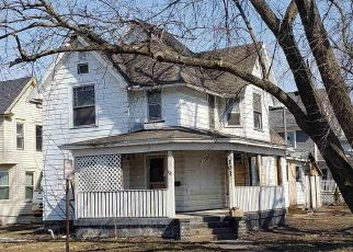 Pre Foreclosure in Clinton 52732 N 3RD ST - Property ID: 1693758157