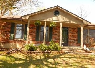 Pre Foreclosure in Lexington 40515 COLONNADE DR - Property ID: 1693929863